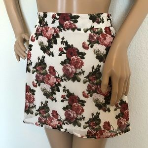 Tobi floral print mini skirt small nwot